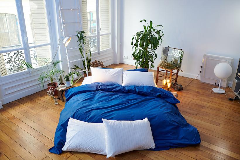 Bonsoirs - Parure percale de coton Juste Le Bleu 1 housse de couette + 1 drap housse + 2 taies d'oreiller)- À partir 135€