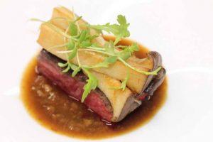 Parlon de bœuf grillé au binchotan, sauce collagène Par Keigo Kimura pour L'Aspérule 43 rue Jean-Jacques Rousseau, 21000 Dijon