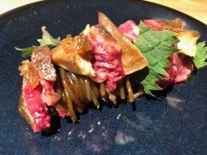 Spaghetti de patates douces: champignons shiitakés & entrecôte Wagyu Par Adeline Grattard pour Yam'Tcha 121 rue Saint-Honoré, 75001 Paris