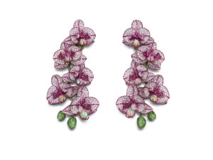 CHOPARD - Red Carpet Collection - Boucles d'oreilles orchidée serties d'opales, de saphirs roses, de tsavorites et de diamants