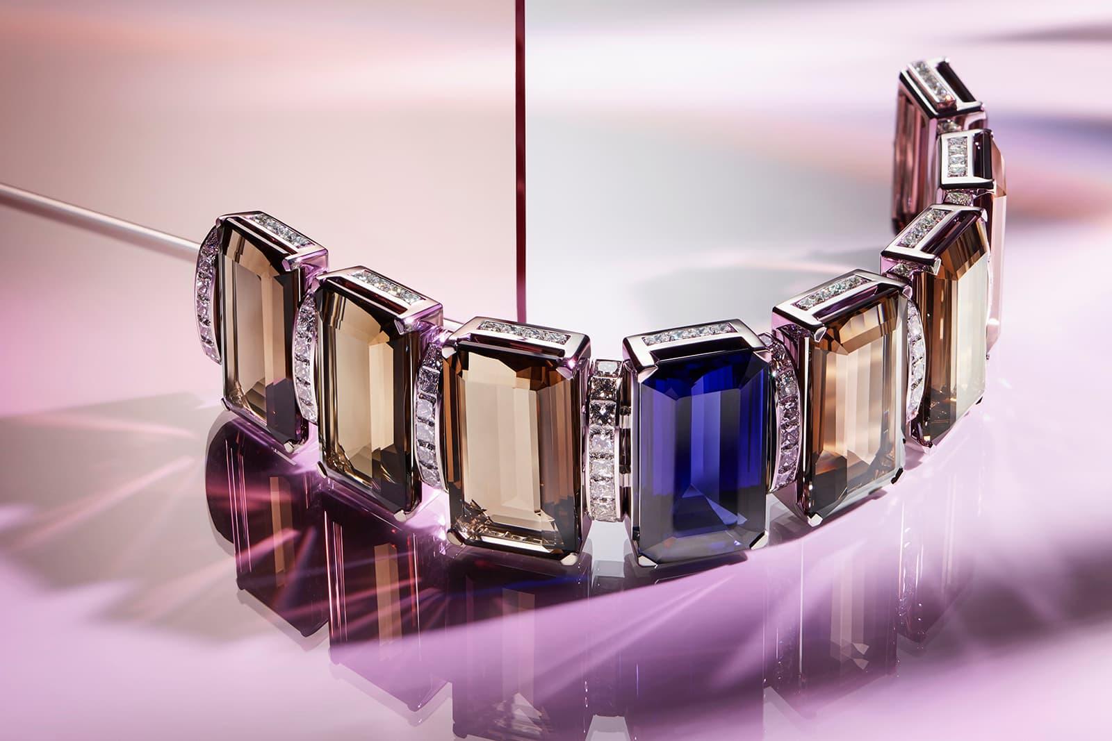 TIFFANY & CO - Blue Book 2019 collection - Bracelet en Platine, Tanzanite de 55ct, Quartz Fumé et Diamant.
